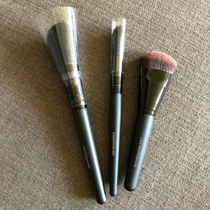 Bare minerals foundation highlighter brushes